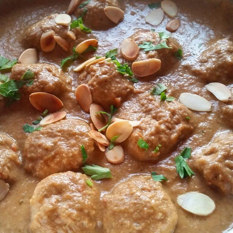 Almond & Walnut Sauce