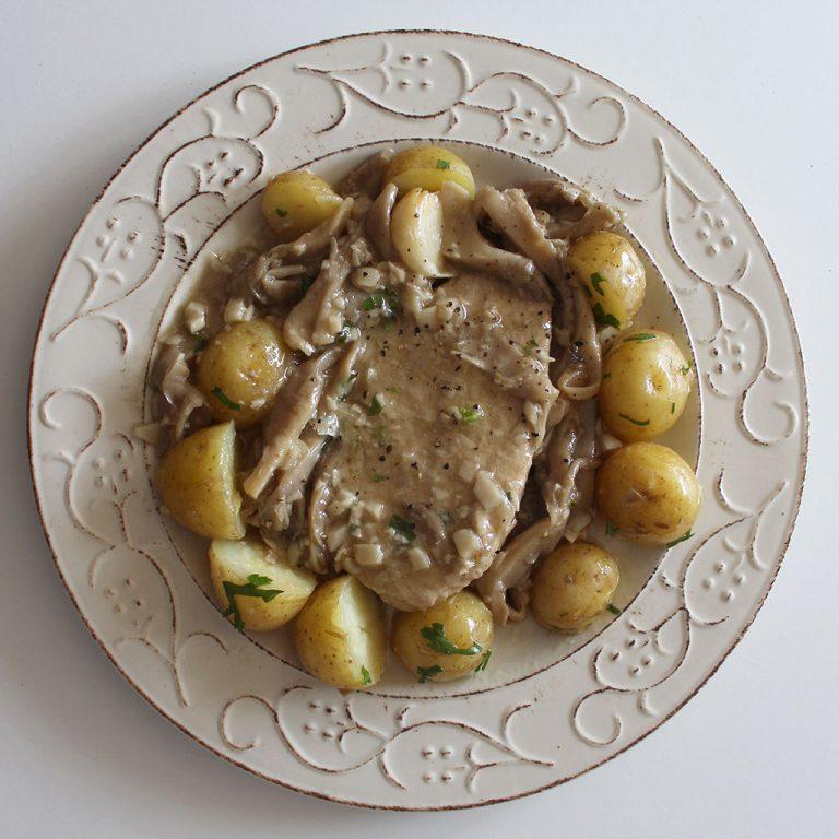 Quorn and oyster mushrooms al ajillo