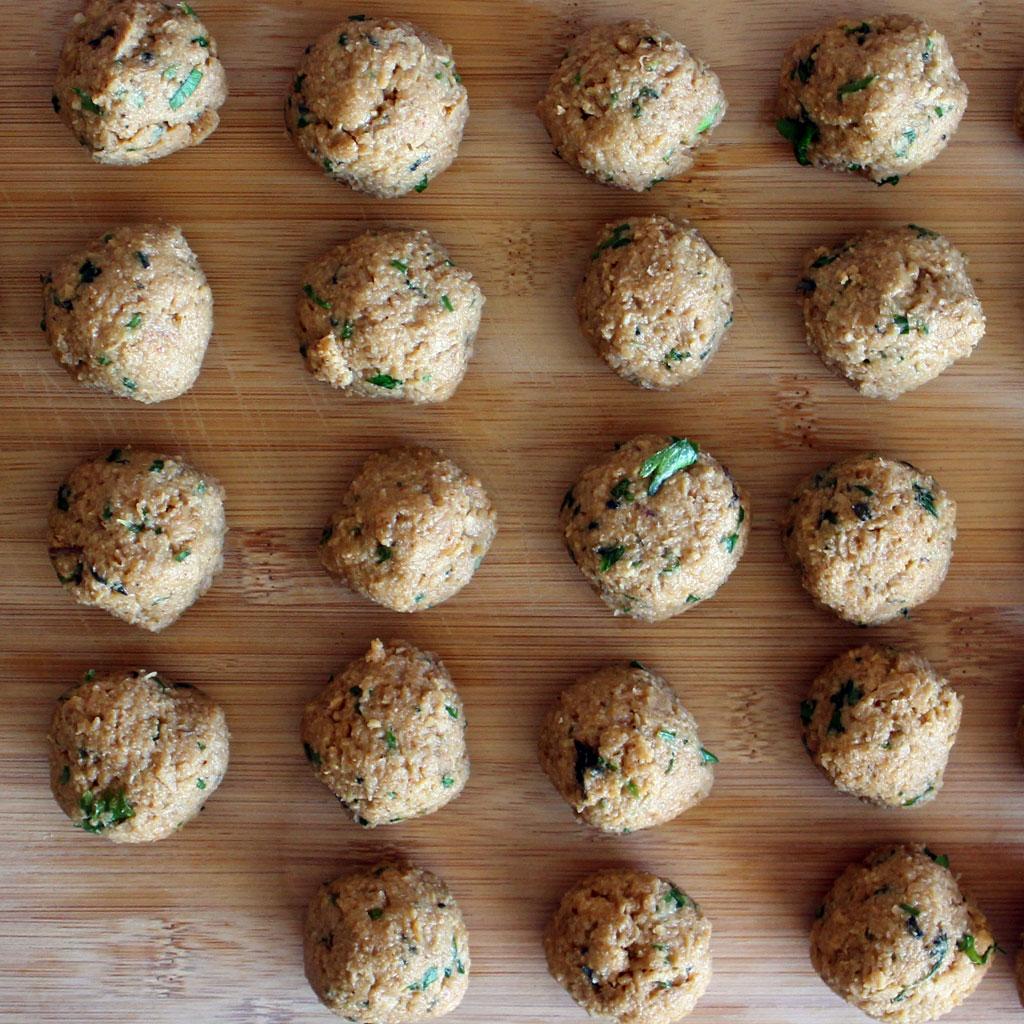 Vegetarian meatballs rolled