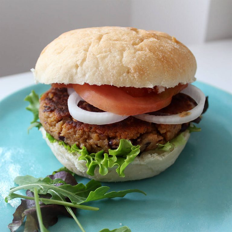 Kidney bean veggie burger