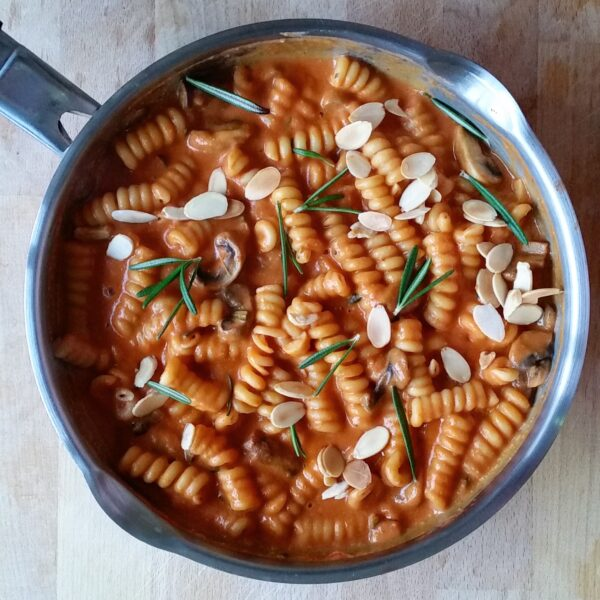 Pasta with tomato and rosemary sauce