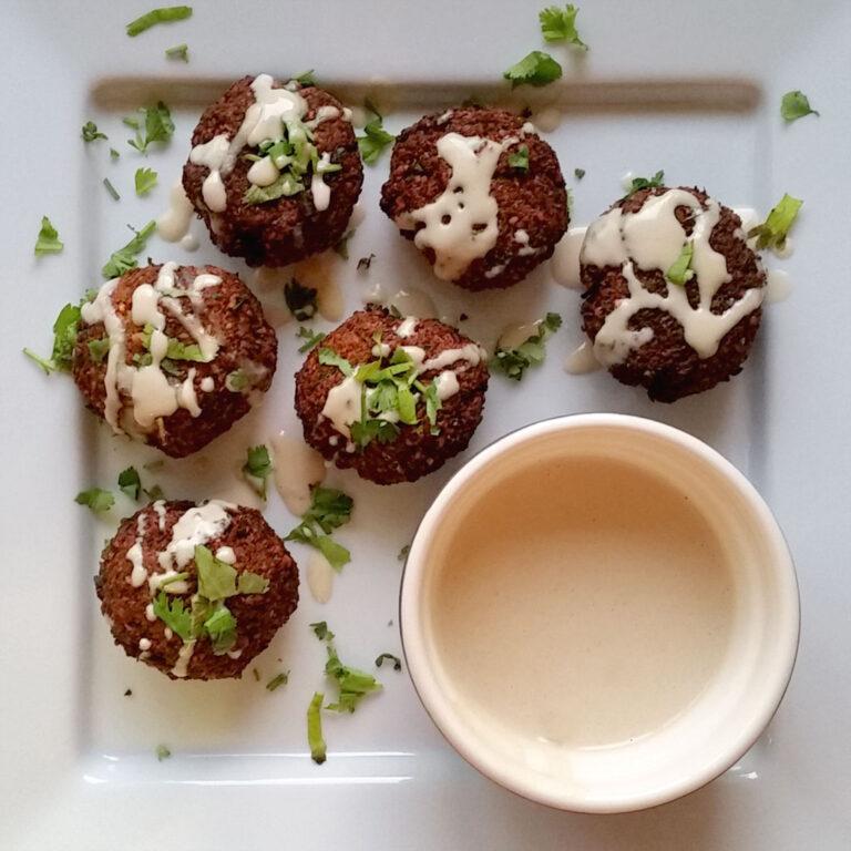 Felafel with tahini sauce
