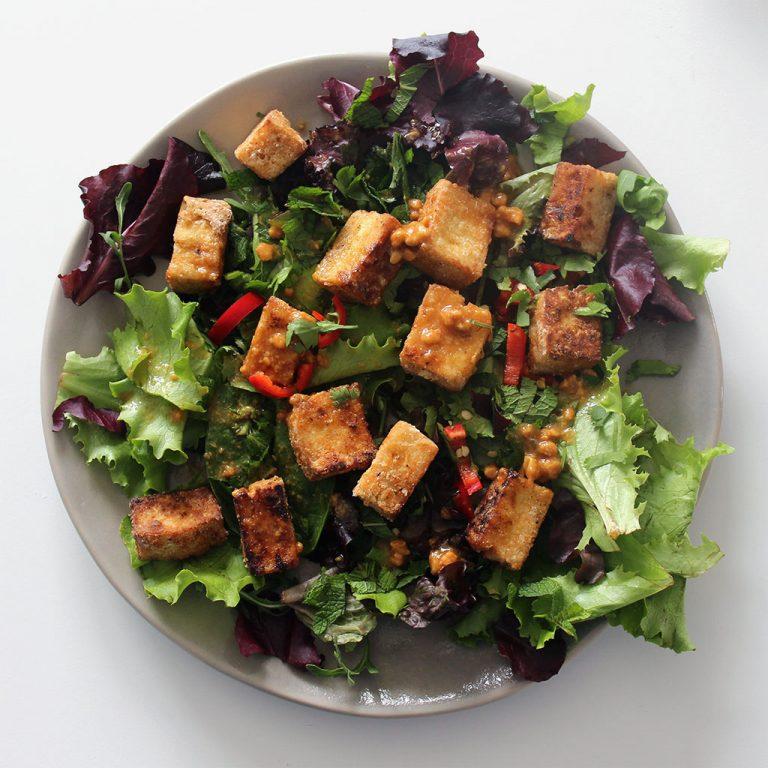 Crispy tofu salad