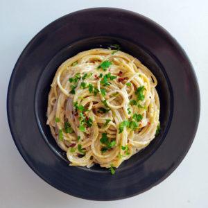 Vegan spaghetti alfredo, fetuccine